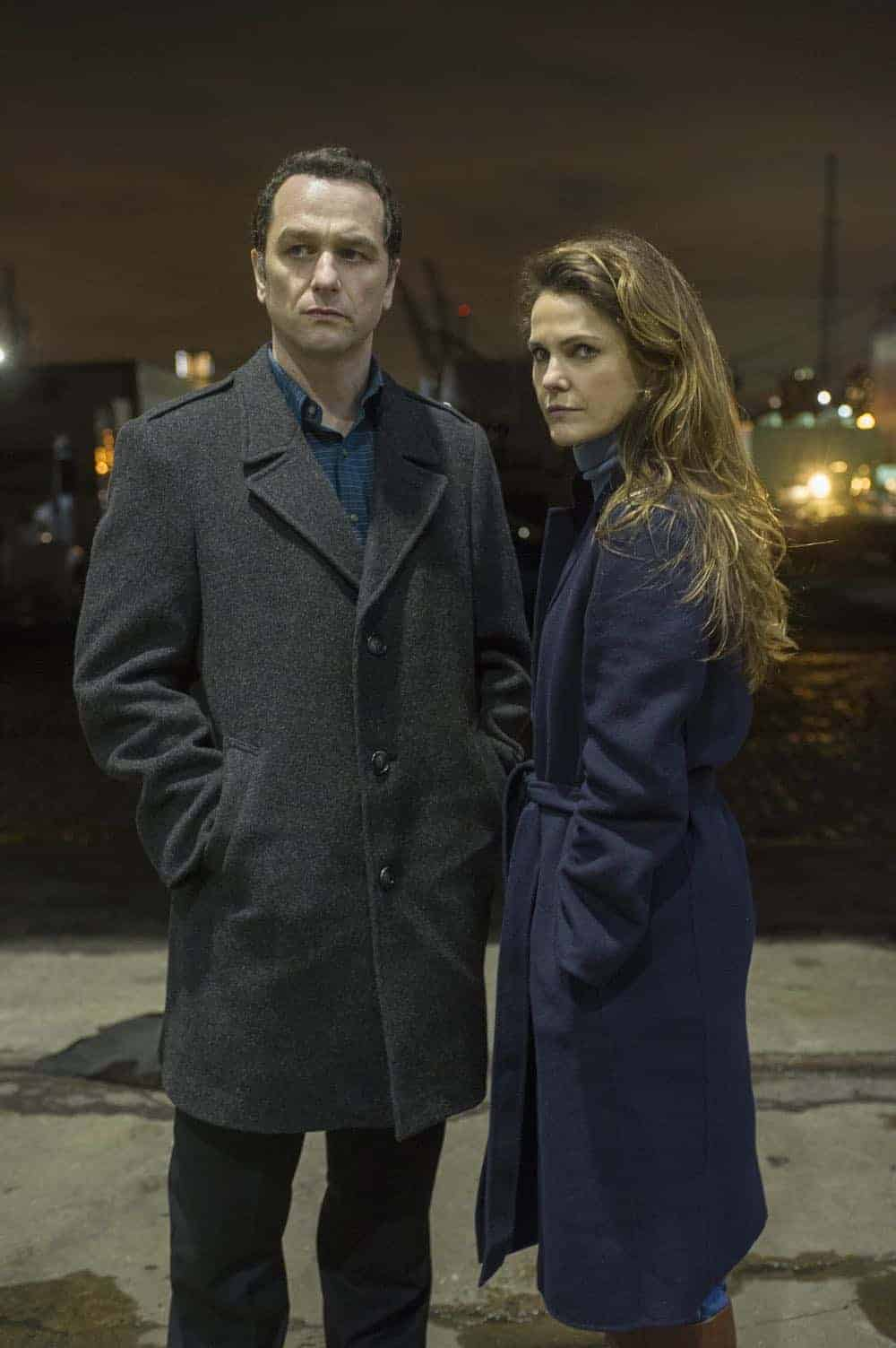 """THE AMERICANS -- """"Start"""" -- Season 6, Episode 10 -- (Airs Wednesday, May 30, 10:00 pm/ep) Pictured: (l-r) Keri Russell as Elizabeth Jennings, Matthew Rhys as Philip Jennings. CR: Jeffrey Neira/FX"""
