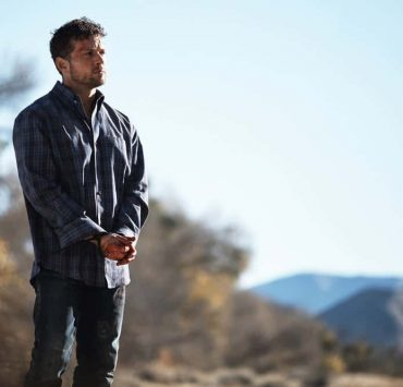 """SHOOTER -- """"Backroads"""" Episode 301 -- Pictured: Ryan Phillippe as Bob Lee Swagger -- (Photo by: Adam Rose/USA Network)"""