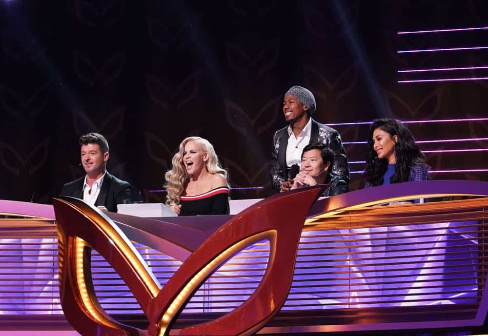 MASKED SINGER: L-R: Robin Thicke, Jenny McCarthy, Nick Cannon, Ken Jeong and and Nicole Scherzinger. CR: Michael Becker / FOX. © 2018 FOX Broadcasting.