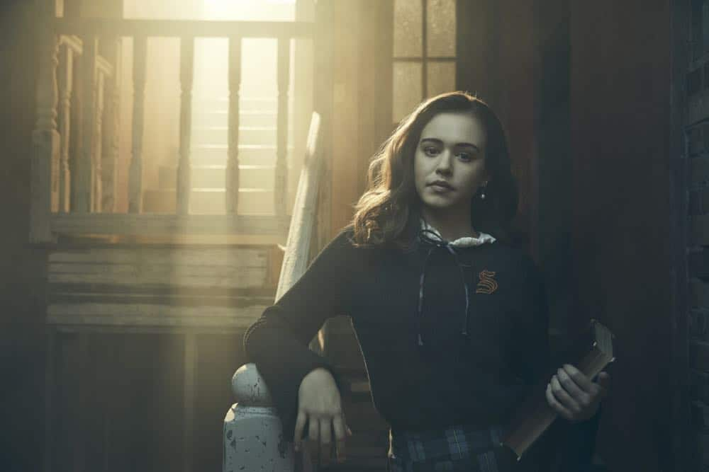 Legacies -- Image Number: LGC1_JOSIE_0047.jpg -- Pictured: Kaylee Bryant as Josie -- Photo: Miller Mobley/The CW -- © 2018 The CW Network, LLC. All Rights Reserved.