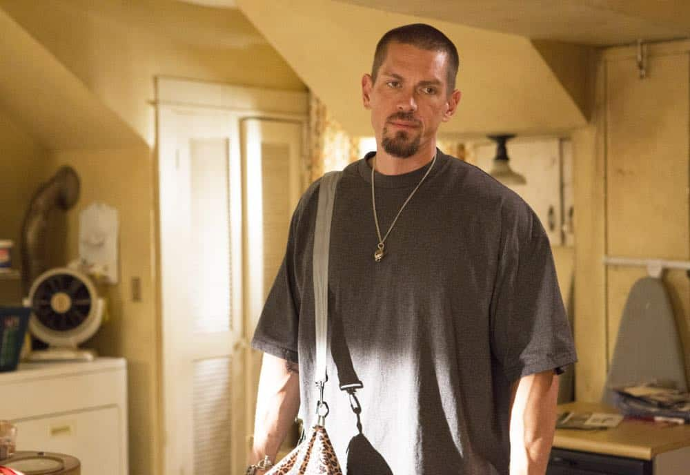"Steve Howey as Kev in SHAMELESS (Season 9, Episode 02, ""Mo White for President""). - Photo: Paul Sarkis/SHOWTIME - Photo ID: SHAMELESS_902_970"