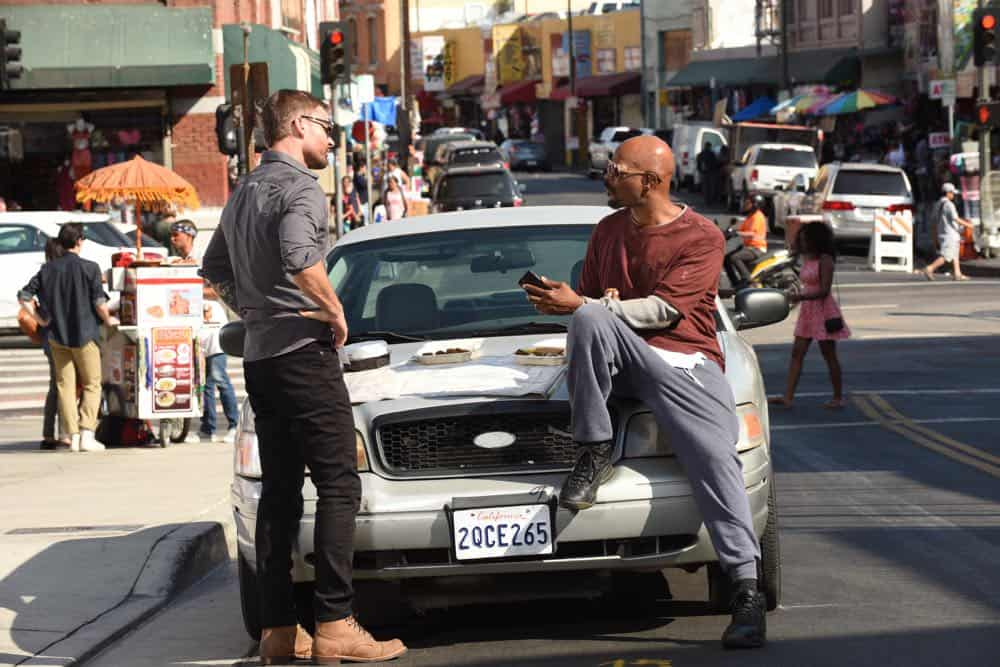 """LETHAL WEAPON: L-R: Seann William Scott and Damon Wayans in the """"In The Same Boat"""" season premiere episode of LETHAL WEAPON airing Tuesday, September 25 (9:00-10:00 PM ET/PT) on FOX. ©2018 Fox Broadcasting Co. CR: Ray Mickshaw/FOX"""
