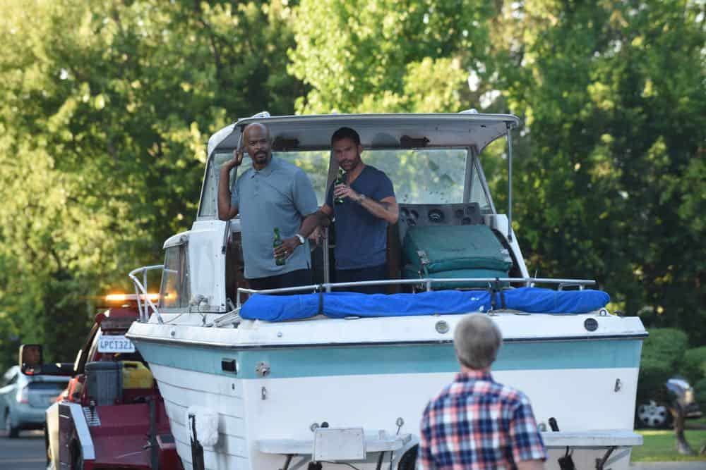 """LETHAL WEAPON: L-R: Damon Wayans and Seann William Scott in the """"In The Same Boat"""" season premiere episode of LETHAL WEAPON airing Tuesday, September 25 (9:00-10:00 PM ET/PT) on FOX. ©2018 Fox Broadcasting Co. CR: Ray Mickshaw/FOX"""