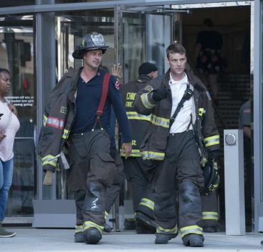 """CHICAGO FIRE -- """"A Closer Eye"""" Episode 701 -- Pictured: (l-r) Taylor Kinney as Kelly Severide, Jesse Spencer as Matthew Casey -- (Photo by: Elizabeth Sisson/NBC)"""