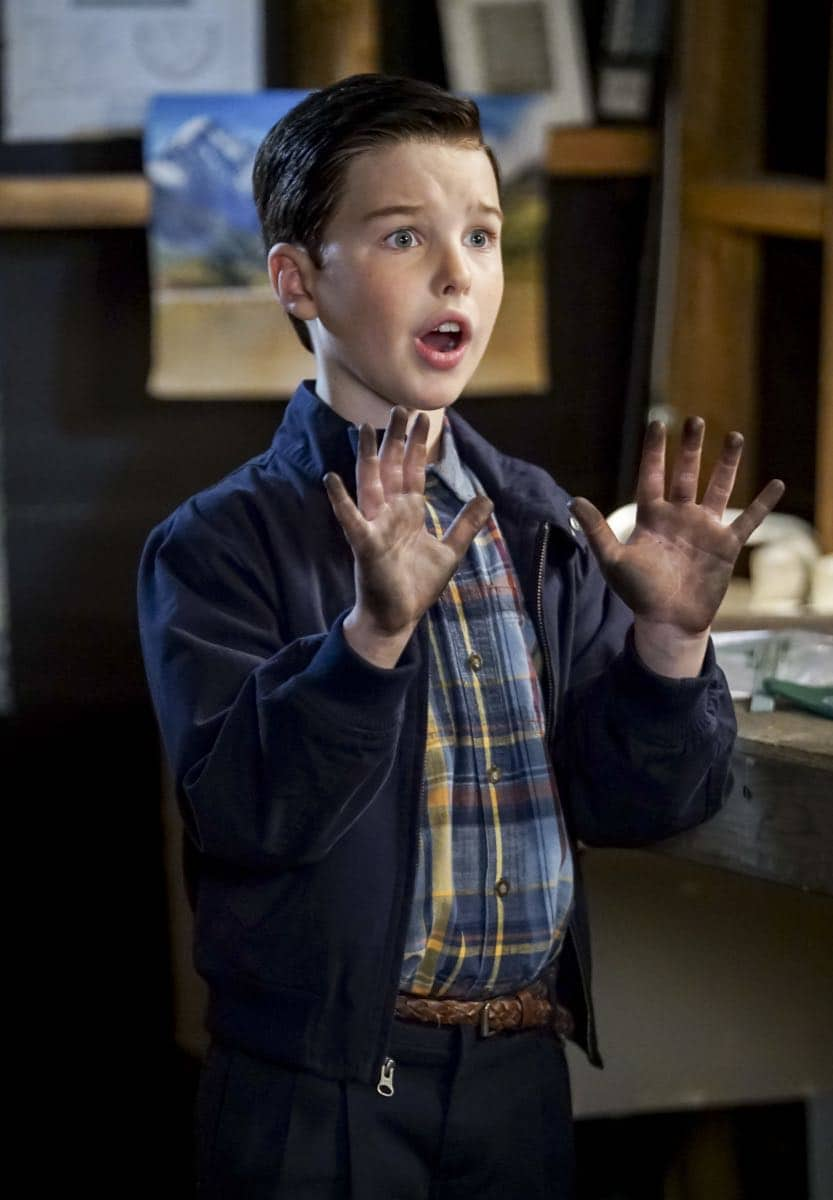 """A High-Pitched Buzz and Training Wheels"" - Pictured: Sheldon (Iain Armitage). After Sheldon dismantles the refrigerator to stop an annoying hum, he gets a paper route to pay for the repairs, on the second season premiere of YOUNG SHELDON, on a special night, Monday, Sept. 24 (8:31-9:01 PM, ET/PT) on the CBS Television Network. Photo: Sonja Flemming/CBS ©2018 CBS Broadcasting, Inc. All Rights Reserved"
