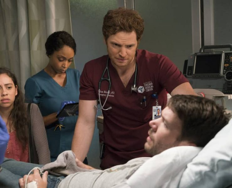 """CHICAGO MED -- """"Be My Better Half"""" Episode 401 -- Pictured: (l-r) Yaya DaCosta as April Sexton, Nick Gehlfuss as Will Halstead -- (Photo by: Elizabeth Sisson/NBC)"""