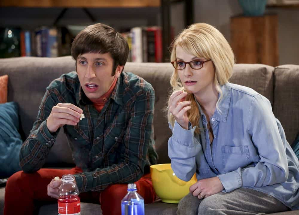 """The Conjugal Configuration"" - Pictured: Howard Wolowitz (Simon Helberg) and Bernadette (Melissa Rauch). Sheldon and Amy's honeymoon runs aground in New York, while Penny and Leonard discover they are uncomfortably similar to Amy's parents, Mr. and Mrs. Fowler (Teller and Kathy Bates). Also, Koothrappali insults physicist Neil deGrasse Tyson and starts a Twitter war, on the 12th season premiere of THE BIG BANG THEORY, on a special night, Monday, Sept. 24 (8:00-8:30 PM, ET/PT) on the CBS Television Network. Photo: Michael Yarish/Warner Bros. Entertainment Inc. © 2018 WBEI. All rights reserved."