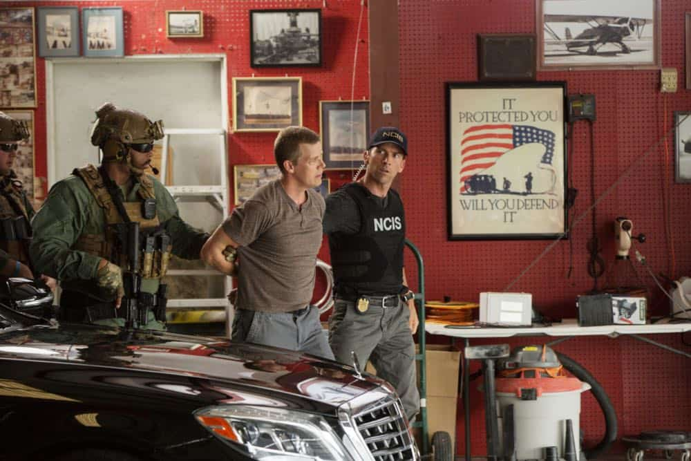 """Inside Out"" -- As the team searches for a former IRA bomb-maker who was smuggled into the city, they are joined by Special Agent Hannah Khoury (Necar Zadegan), Pride's replacement during his medical leave. Also, Pride considers a new position with the agency, on NCIS: NEW ORLEANS, Tuesday, Oct. 2 (10:00-11:00 PM, ET/PT) on the CBS Television Network. Pictured: Lucas Black as Special Agent Christopher LaSalle Photo: Sam Lothridge/CBS ©2018 CBS Broadcasting, Inc. All Rights Reserved"