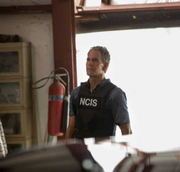 """""""Inside Out"""" -- As the team searches for a former IRA bomb-maker who was smuggled into the city, they are joined by Special Agent Hannah Khoury (Necar Zadegan), Pride's replacement during his medical leave. Also, Pride considers a new position with the agency, on NCIS: NEW ORLEANS, Tuesday, Oct. 2 (10:00-11:00 PM, ET/PT) on the CBS Television Network. Pictured: Scott Bakula as Special Agent Dwayne Pride Photo: Sam Lothridge/CBS ©2018 CBS Broadcasting, Inc. All Rights Reserved"""