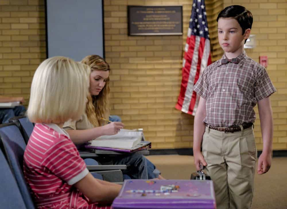 """A Rival Prodigy and Sir Isaac Neutron"" - Pictured: Paige (McKenna Grace) and Sheldon (Iain Armitage). When Dr. Sturgis (Wallace Shawn) bonds with Paige (McKenna Grace), another ten year-old genius, Sheldon's jealousy leads Meemaw to intervene.  Also, Mary invites Paige's family over for a play date, when YOUNG SHELDON airs in its regular time slot, Thursday, Sept. 27 (8:31-9:01 PM, ET/PT) on the CBS Television Network. Photo: Darren Michaels/Warner Bros. Entertainment Inc. © 2018 WBEI. All rights reserved."