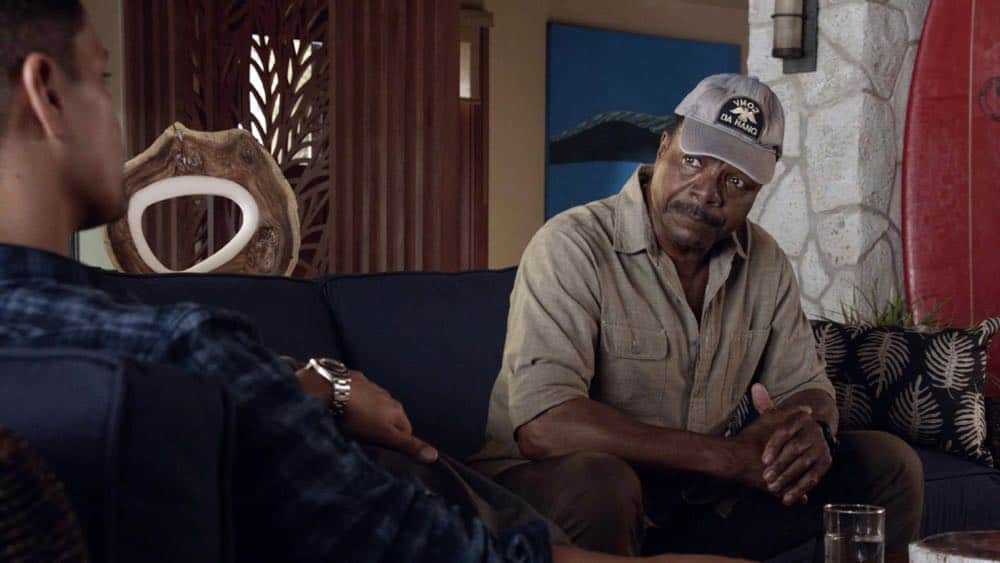 """From the Head Down"" - Magnum helps a struggling fisherman and fellow Veteran when his 300 pound tuna worth $350K is stolen, but they discover that the thief needs Magnum's help as well, on MAGNUM P.I., Monday, Oct. 1 (9:00-10:00 PM, ET/PT) on the CBS Television Network. Pictured L-R: Jay Hernandez as Thomas Magnum and Carl Weathers as Dan Sawyer Photo: CBS ©2018 CBS Broadcasting, Inc. All Rights Reserved"