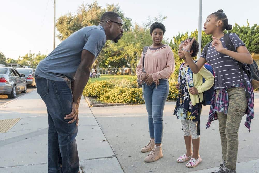 "THIS IS US -- ""A Philadelphia Story"" Episode 302 -- Pictured: (l-r) Sterling K. Brown as Randall Pearson, Lyric Ross as Déjà, Faithe Herman as Annie Pearson, Eris Baker as Annie Pearson -- (Photo by: Ron Batzdorff/NBC)"