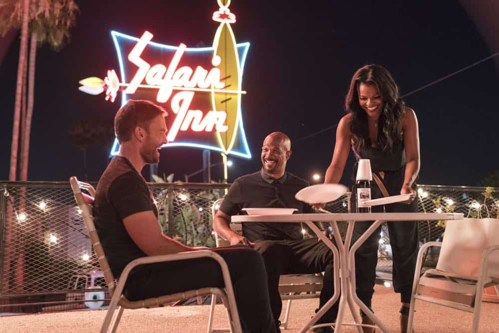 "LETHAL WEAPON: L-R: Seann William Scott, Damon Wayans, and Keesha Sharp in the Need To Know"" episode of LETHAL WEAPON airing Tuesday, Oct. 2 (9:00-10:00 PM ET/PT) on FOX. ©2018 Fox Broadcasting Co. CR: FOX"