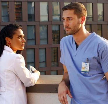 """NEW AMSTERDAM -- """"Rituals"""" Episode 102 -- Pictured: (l-r) Freema Agyeman as Dr. Helen Sharpe, Ryan Eggold as Dr. Max Goodwin -- (Photo by: Will Hart/NBC)"""
