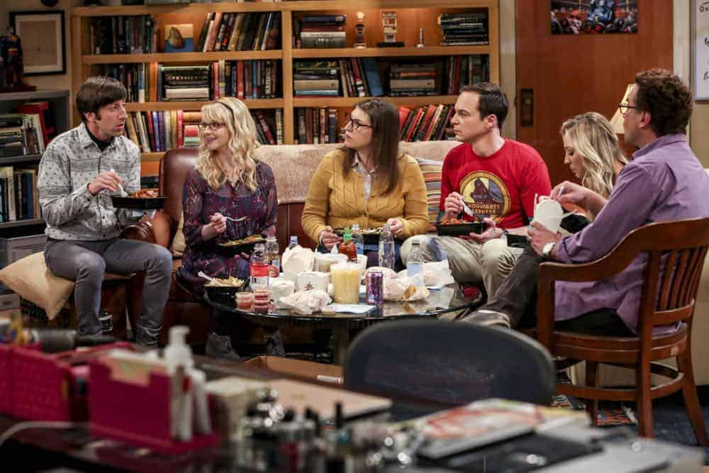 """The Procreation Calculation"" -- Pictured: Howard Wolowitz (Simon Helberg), Bernadette (Melissa Rauch), Amy Farrah Fowler (Mayim Bialik), Sheldon Cooper (Jim Parsons), Penny (Kaley Cuoco) and Leonard Hofstadter (Johnny Galecki). The Wolowitzes' life gets complicated when Stuart starts bringing his new girlfriend home. Also, Penny and Leonard talk about starting a family while Koothrappali explores an arranged marriage, on THE BIG BANG THEORY, Thursday, Oct. 4 (8:00-8:31 PM, ET/PT) on the CBS Television Network. Keith Carradine returns as Penny's father, Wyatt. Photo: Michael Yarish/Warner Bros. Entertainment Inc. © 2018 WBEI. All rights reserved."