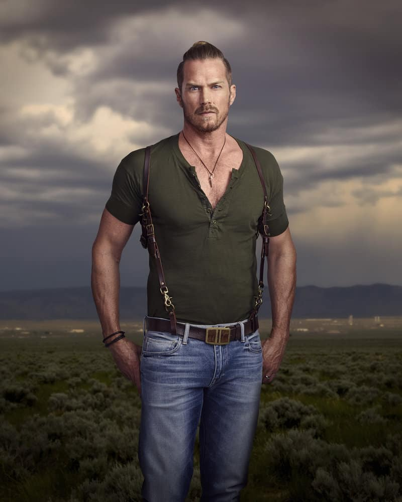 MIDNIGHT, TEXAS -- Season: 2 -- Pictured: Jason Lewis as Joe -- (Photo by: Virginia Sherwood/NBC)