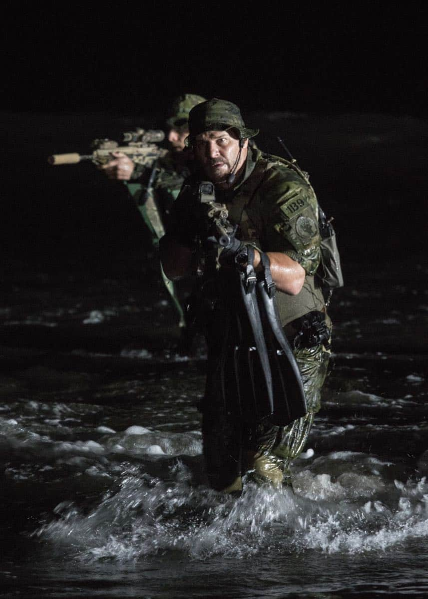 """Fracture"" -- Jason and Bravo Team head to the Gulf of Guinea to rescue American hostages after an oil platform is overtaken by armed militants, on the second season premiere of SEAL TEAM, Wednesday, Oct. 3 (9:00-10:00 PM, ET/PT) on the CBS Television Network. Pictured: David Boreanaz as Jason Hayes. Photo: Monty Brinton/CBS ©2018 CBS Broadcasting, Inc. All Rights Reserved"