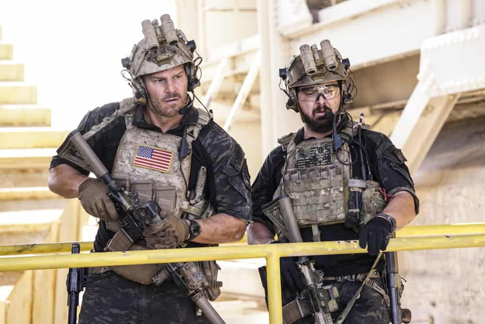 """Fracture"" -- Jason and Bravo Team head to the Gulf of Guinea to rescue American hostages after an oil platform is overtaken by armed militants, on the second season premiere of SEAL TEAM, Wednesday, Oct. 3 (9:00-10:00 PM, ET/PT) on the CBS Television Network. Pictured L to R: David Boreanaz as Jason Hayes and AJ Buckley as Sonny Quinn. Photo: Cliff Lipson/CBS ©2018 CBS Broadcasting, Inc. All Rights Reserved"