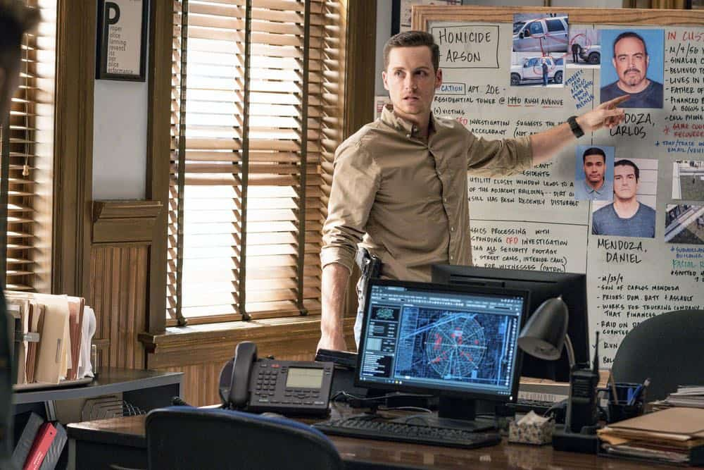 """CHICAGO P.D. -- """"Endings"""" Episode 603 -- Pictured: Jesse Lee Soffer as Jay Halstead -- (Photo by: Matt Dinerstein/NBC)"""