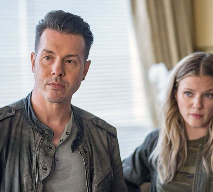 "CHICAGO P.D. -- ""Endings"" Episode 603 -- Pictured: (l-r) Jon Seda as Antonio Dawson, Tracy Spiridakos as Hailey Upton -- (Photo by: Matt Dinerstein/NBC)"