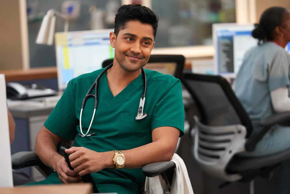 """THE RESIDENT:  Manish Dayal in the """"Three Words"""" episode of THE RESIDENT airing Monday, Oct. 1 (8:00-9:00 PM ET/PT) on FOX. ©2018 Fox Broadcasting Co. Cr:  Bob Mahoney/FOX."""