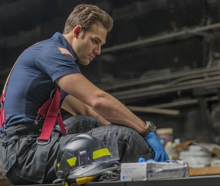 "9-1-1: Ryan Guzman in the ""Stuck"" episode of 9-1-1 airing Monday, Oct. 15 (9:00-10:00 PM ET/PT) on FOX. © 2018 FOX Broadcasting. CR: Jack Zeman / FOX."