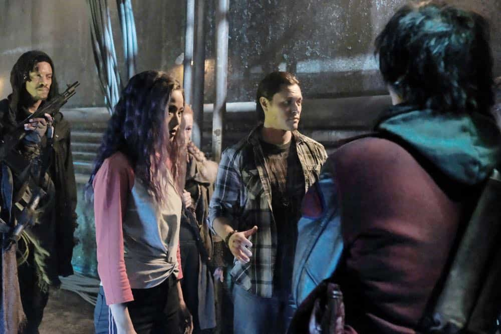 "THE GIFTED: L-R:  Jamie Chung and Blair Redford in the ""coMplications"" episode of THE GIFTED airing Tuesday, Oct. 9 (8:00-9:00 PM ET/PT) on FOX. ©2018 Fox Broadcasting Co. Cr: Guy D'Alema/FOX."