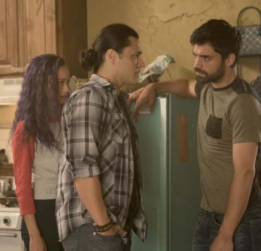 """THE GIFTED: L-R: Jamie Chung, Blair Redford and Sean Teale in the """"coMplications"""" episode of THE GIFTED airing Tuesday, Oct. 9 (8:00-9:00 PM ET/PT) on FOX. ©2018 Fox Broadcasting Co. Cr: Annette Brown/FOX."""