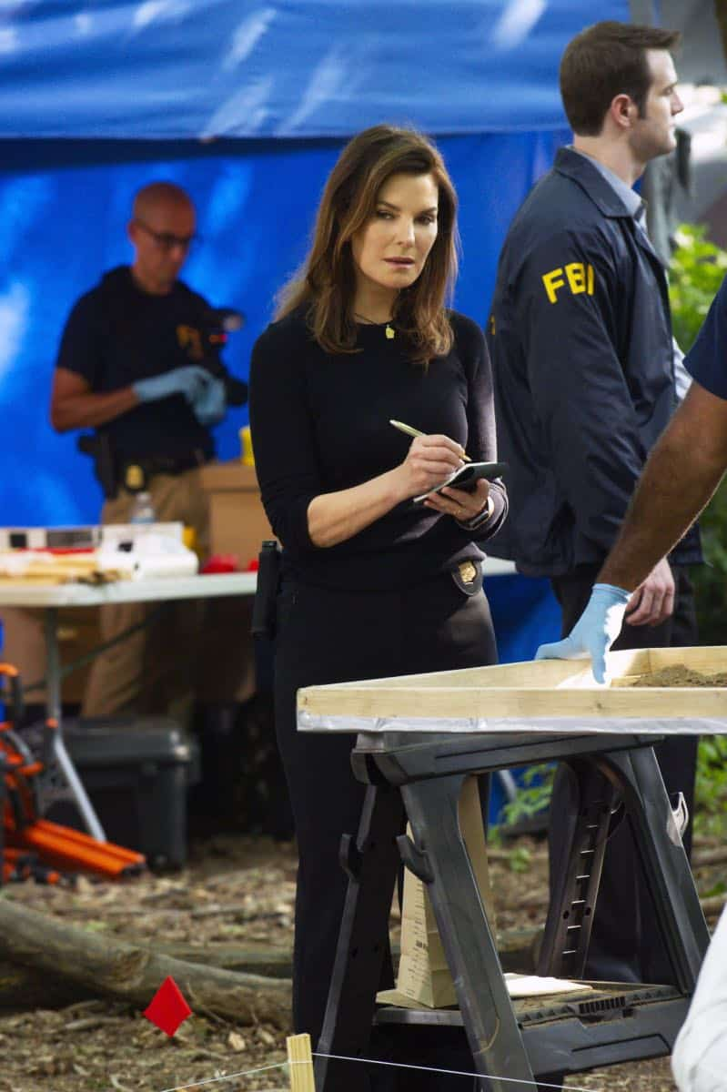 ÒPreyÓ Ð Special Agent Maggie Bell, Special Agent OA Zidan and the team investigate the murders of 18 young women with help from a survivor associated with the deceased, on FBI, Tuesday, Oct. 9 (9:00-10:00 PM, ET/PT) on the CBS Television Network. Pictured: Sela Ward Photo: Jeffrey Neira/CBS ©2018 CBS Broadcasting, Inc. All Rights Reserved