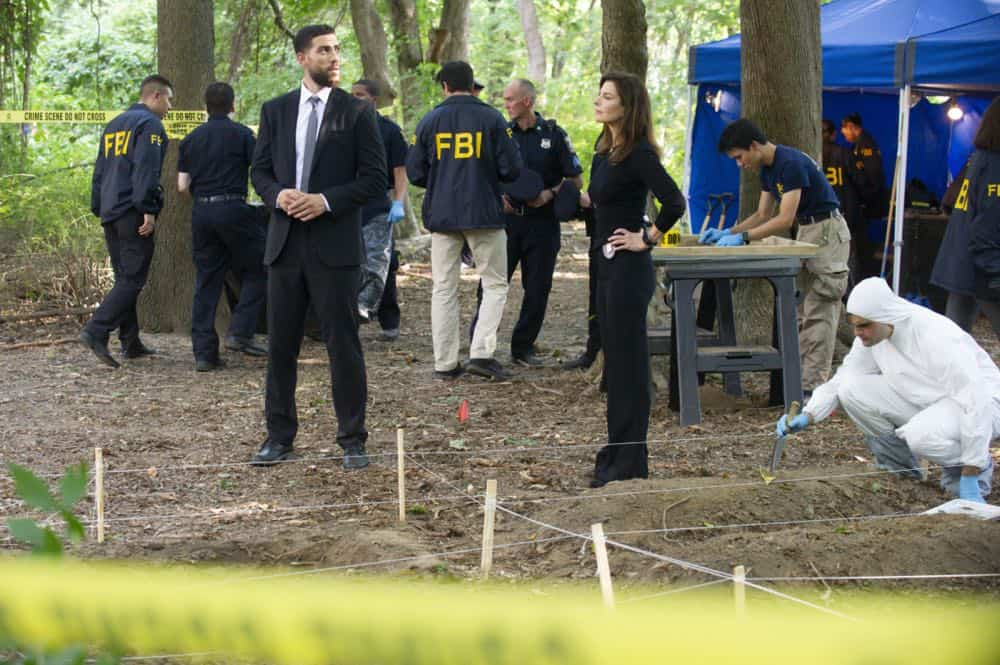 ÒPreyÓ Ð Special Agent Maggie Bell, Special Agent OA Zidan and the team investigate the murders of 18 young women with help from a survivor associated with the deceased, on FBI, Tuesday, Oct. 9 (9:00-10:00 PM, ET/PT) on the CBS Television Network. Pictured: Zeeko Zaki, Sela Ward Photo: Jeffrey Neira/CBS ©2018 CBS Broadcasting, Inc. All Rights Reserved