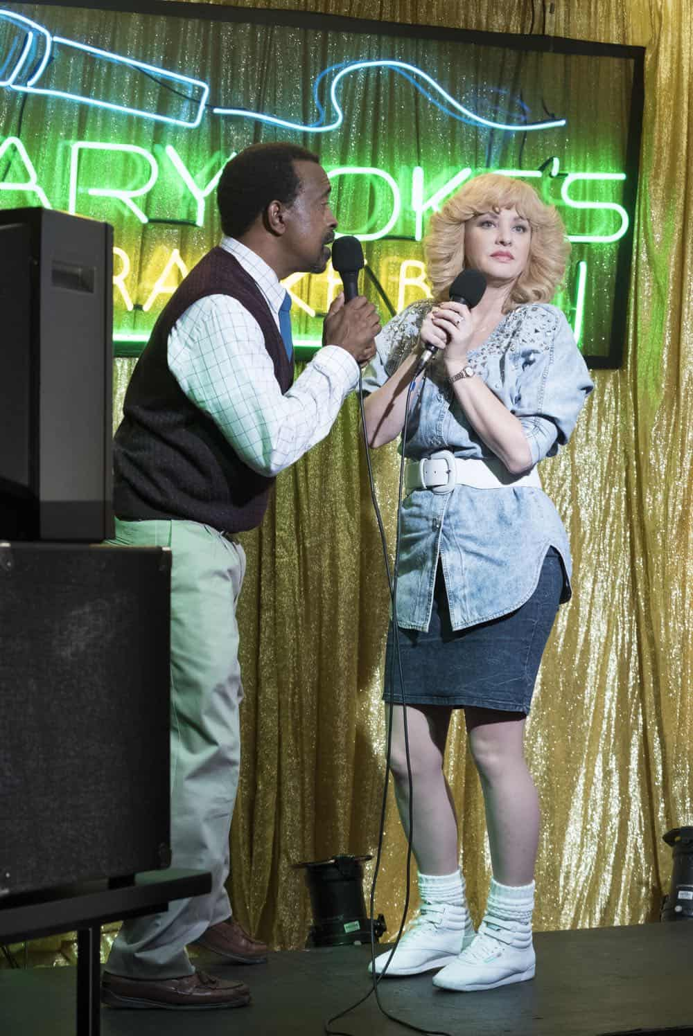 """THE GOLDBERGS - """"RAD!"""" - Erica thinks all of her singing dreams are going to come true when she lands a job at the new karaoke bar in town. But when she's tasked with bringing in more customers, will Erica regret turning to Beverly for help? Meanwhile, Murray tries to teach Barry and Lainey how to be financially responsible adults, on """"The Goldbergs,"""" WEDNESDAY, OCT. 10 (8:00-8:30 p.m. EDT), on The ABC Television Network. (ABC/Ron Tom) TIM MEADOWS, WENDI MCLENDON-COVEY"""