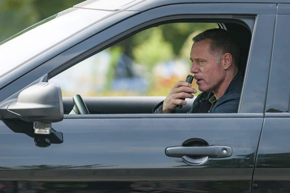 "CHICAGO P.D. -- ""Bad Boys"" Episode 603 -- Pictured: Jason Beghe as Hank Voight -- (Photo by: Matt Dinerstein/NBC)"