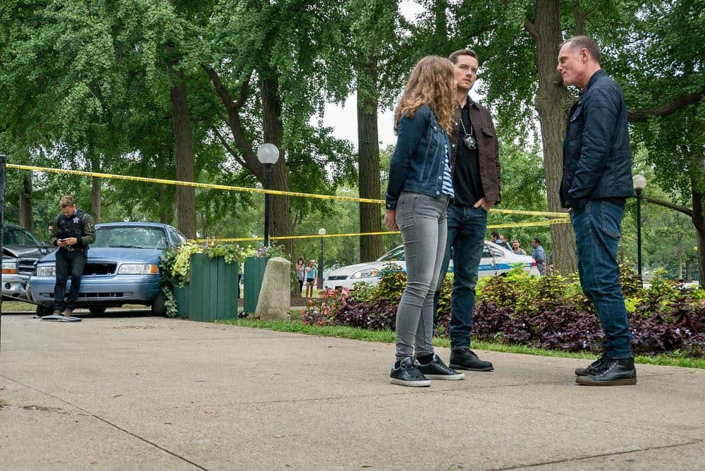 "CHICAGO P.D. -- ""Bad Boys"" Episode 603 -- Pictured: (l-r) Jesse Lee Soffer as Jay Halstead, Jason Beghe as Hank Voight -- (Photo by: Matt Dinerstein/NBC)"
