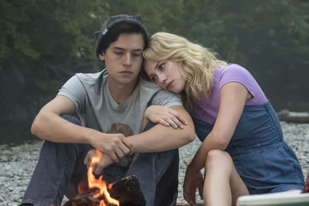 "Riverdale -- ""Chapter Thirty-Six: Labor Day"" -- Image Number: RVD301a_0268.jpg -- Pictured (L-R): Cole Sprouse as Jughead and Lili Reinhart as Betty -- Photo: Katie Yu/The CW -- © 2018 The CW Network, LLC. All Rights Reserved."