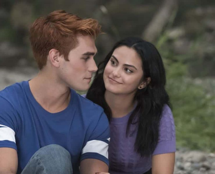 """Riverdale -- """"Chapter Thirty-Six: Labor Day"""" -- Image Number: RVD301a_0304.jpg -- Pictured (L-R): KJ Apa as Archie and Camila Mendes as Veronica -- Photo: Katie Yu/The CW -- © 2018 The CW Network, LLC. All Rights Reserved."""