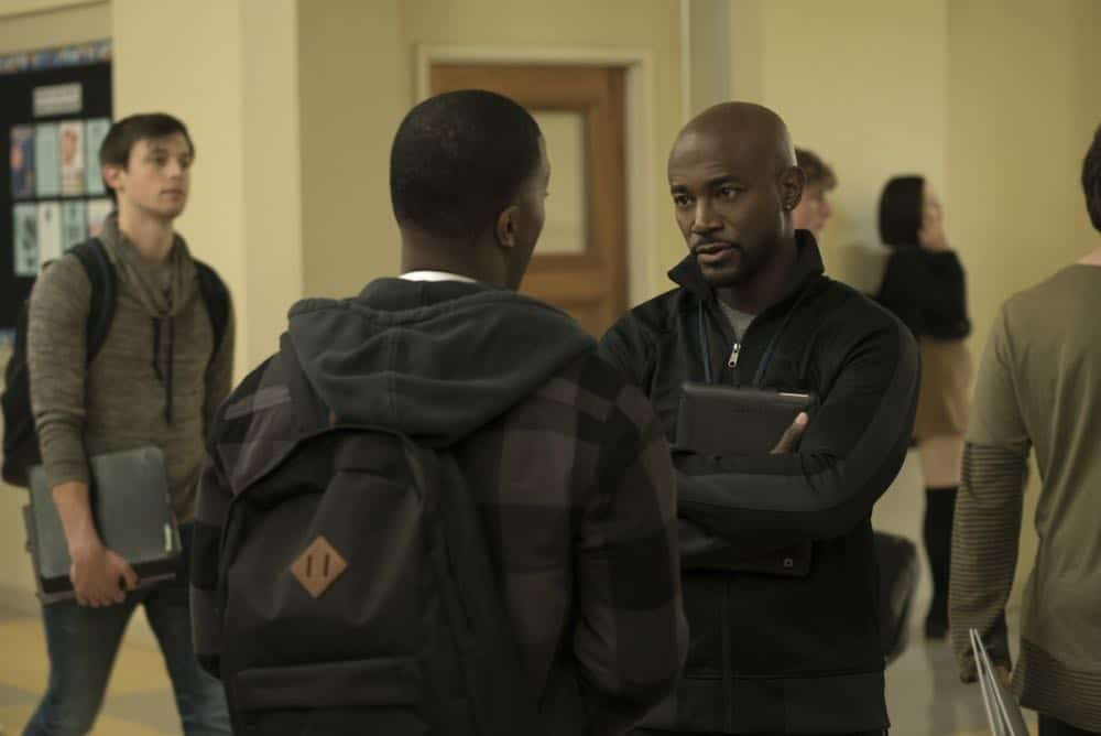 "All American -- ""Pilot""-- Image Number: ALA101c_0234rc.jpg -- Pictured (L-R): Daniel Ezra as Spencer James and Taye Diggs as Billy Baker -- Photo: Jesse Giddings/The CW -- © 2018 The CW Network, LLC. All Rights Reserved"