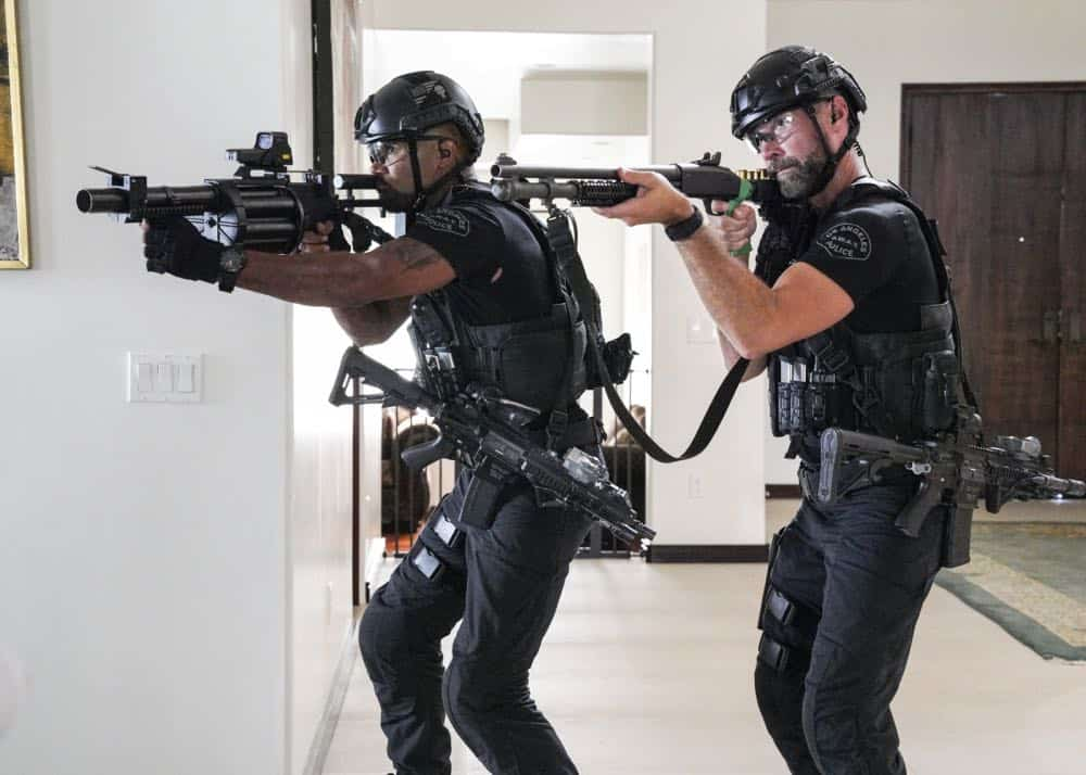 """Fire and Smoke"" -- The SWAT team is enlisted by Hondo's new romantic interest, Deputy District Attorney Nia Wells (Nikiva Dionne), to protect the jurors of a high-profile bribery trial, after some of them are targeted by organized crime in a series of fire-bombings, on S.W.A.T., Thursday, Oct. 11 (10:00-11:00 PM, ET/PT) on the CBS Television Network. Pictured L to R: Shemar Moore as Daniel ""Hondo"" Harrelson and Jay Harrington as David ""Deacon"" Kay. Photo: Bill Inoshita/CBS ©2018 CBS Broadcasting, Inc. All Rights Reserved"