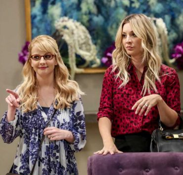 """The Tam Turbulence"" -- Pictured: Bernadette (Melissa Rauch) and Penny (Kaley Cuoco). When Sheldon won't tell anyone why he's never mentioned Tam (Robert Wu), his childhood best friend, Leonard takes matters into his own hands. Also, Bernadette and Penny take out Raj's fiancée, Anu (Rati Gupta), for dinner to get the skinny on her, on THE BIG BANG THEORY, Thursday, Oct. 11 (8:00-8:31 PM, ET/PT) on the CBS Television Network. Jerry O'Connell returns as Sheldon's brother, George. Photo: Michael Yarish/CBS ©2018 CBS Broadcasting, Inc. All Rights Reserved."
