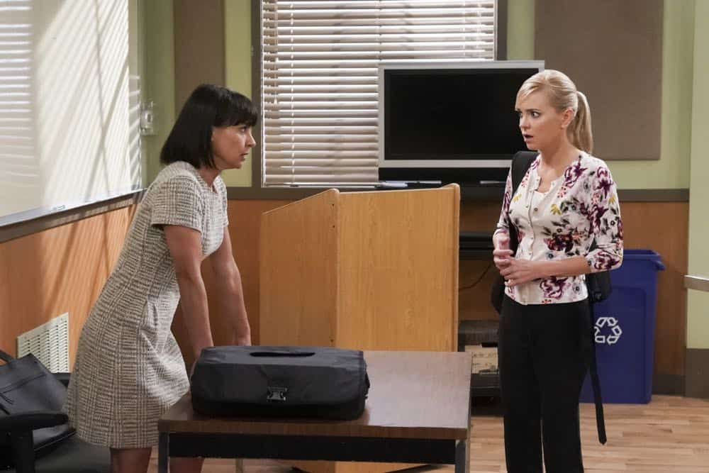 """Ambulance Chasers and a Babbling Brook"" -- Christy's demanding law professor (Constance Zimmer) leans a little too hard on her for support, and Bonnie's plan to trick Adam into choosing a wedding venue backfires, on MOM, Thursday, date (9:01-9:30 PM, ET/PT) on the CBS Television Network. Pictured L to R: Constance Zimmer as Professor Turner and Anna Faris as Christy. Photo: Monty Brinton/CBS ©2018 CBS Broadcasting, Inc. All Rights Reserved"