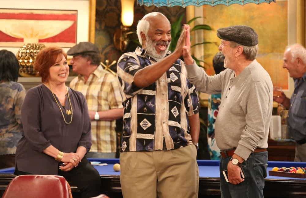 """THE COOL KIDS: L-R: Vicki Lawrence, David Alan Grier and Martin Mull in the """"A Date With Destiny"""" episode of THE COOL KIDS airing Friday, Oct. 12 (8:30-9:00 PM ET/PT) on FOX. ©2018 Fox Broadcasting Co. Cr: Patrick McElhenney/FOX"""