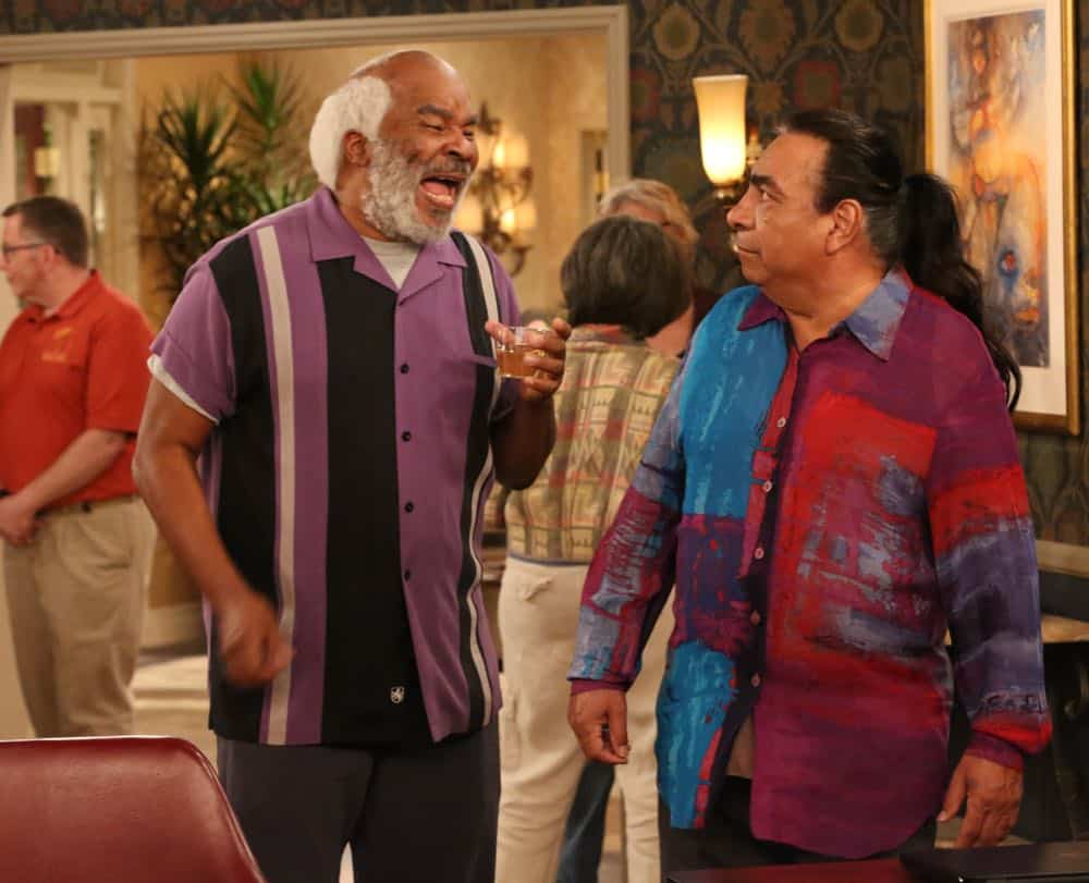 """THE COOL KIDS: David Alan Grier in the """"A Date With Destiny"""" episode of THE COOL KIDS airing Friday, Oct. 12 (8:30-9:00 PM ET/PT) on FOX. ©2018 Fox Broadcasting Co. Cr: Patrick McElhenney/FOX"""