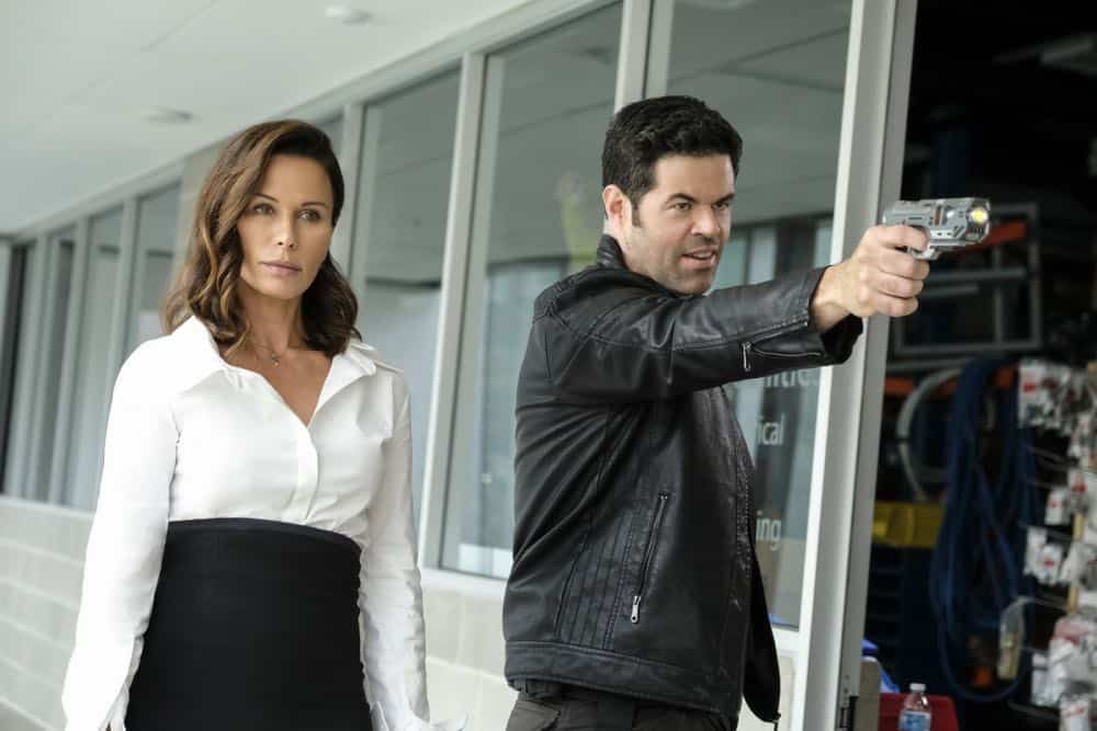 """Supergirl -- """"American Alien"""" -- Image Number: SPG401b_0024b.jpg -- Pictured (L-R): Rhona Mitra as Mercy Graves and Robert Baker as Otis Graves -- Photo: Bettina Strauss/The CW -- © 2018 The CW Network, LLC. All Rights Reserved."""