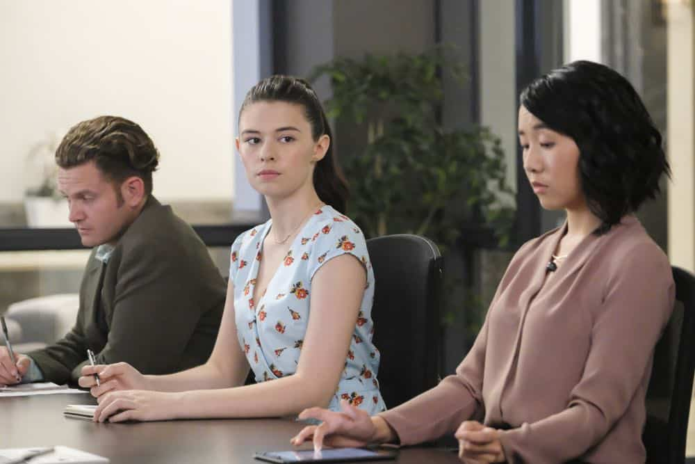 """Supergirl -- """"American Alien"""" -- Image Number: SPG401a_0320b.jpg -- Pictured (L-R): Nicole Maines as Nia Nal and Jaymee Mak as Mackenzie -- Photo: Bettina Strauss/The CW -- © 2018 The CW Network, LLC. All Rights Reserved."""