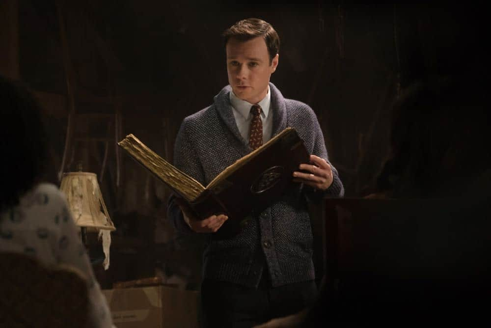 "Charmed -- ""Pilot""-- Image Number: CMD101c_0178.jpg -- Pictured: Rupert Evans as Harry Greenwood -- Photo: Katie Yu/The CW -- © 2018 The CW Network, LLC. All Rights Reserved."
