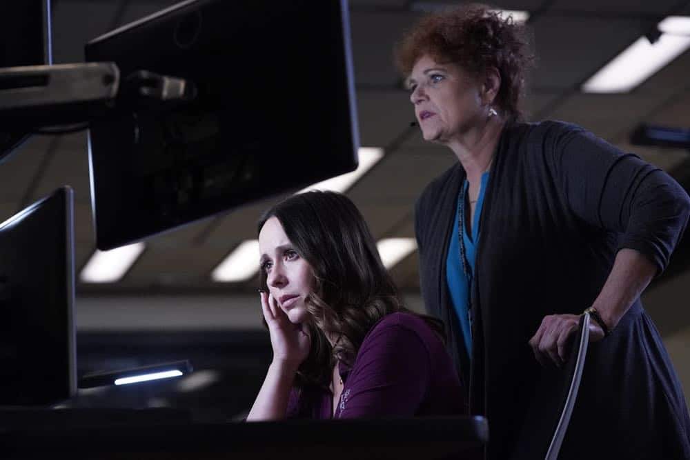 "9-1-1: L-R: Jennifer Love Hewitt and guest star Debra Christofferson in the ""Awful People"" episode of 9-1-1 airing Monday, Oct. 15 (9:00-10:00 PM ET/PT) on FOX. © 2018 FOX Broadcasting. CR: Greg Gayne / FOX."