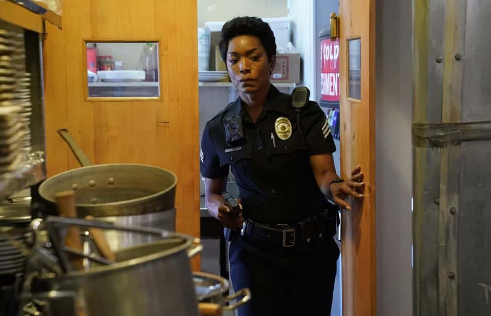 "9-1-1: Angela Bassett in the ""Awful People"" episode of 9-1-1 airing Monday, Oct. 15 (9:00-10:00 PM ET/PT) on FOX. © 2018 FOX Broadcasting. CR: Greg Gayne / FOX."