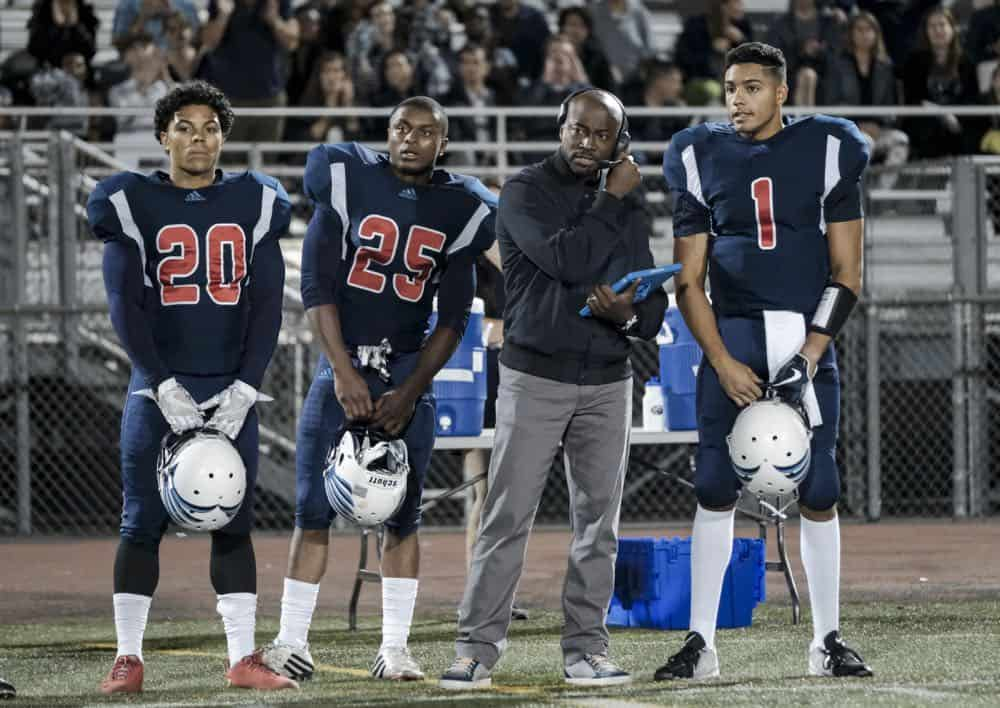 """All American -- """"99 Problems""""-- Image Number: ALA102b_0457b.jpg -- Pictured (L-R): Taye Diggs as Billy and Michael Evans Behling as Jordan -- Photo: Eddy Chen/The CW -- © 2018 The CW Network, LLC. All Rights Reserved"""