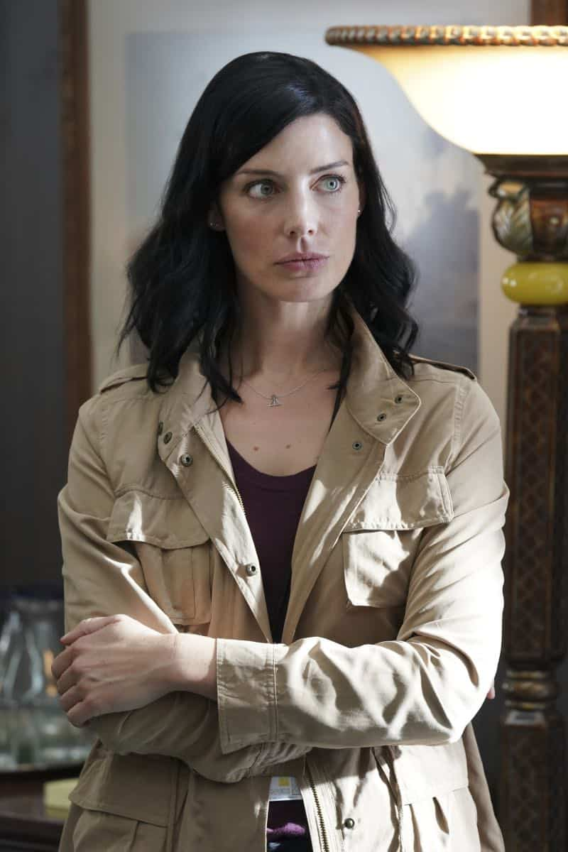 """""""The Worst of Conditions"""" After tragedy strikes, Jason is faced with a huge decision regarding his future with Bravo Team, on SEAL TEAM, Wednesday, Oct. 17 (9:00-10:00 PM, ET/PT) on the CBS Television Network. Pictured: Jessica Pare' as Mandy Ellis. Photo: MontyBrinton/CBS ©2018 CBS Broadcasting, Inc. All Rights Reserved"""
