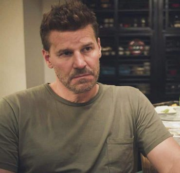 """""""The Worst of Conditions"""" -- After tragedy strikes, Jason is faced with a huge decision regarding his future with Bravo Team, on SEAL TEAM, Wednesday, Oct. 17 (9:00-10:00 PM, ET/PT) on the CBS Television Network. Pictured: David Boreanaz as Jason Hayes. Photo: Screengrab/CBS ©2018 CBS Broadcasting, Inc. All Rights Reserved"""