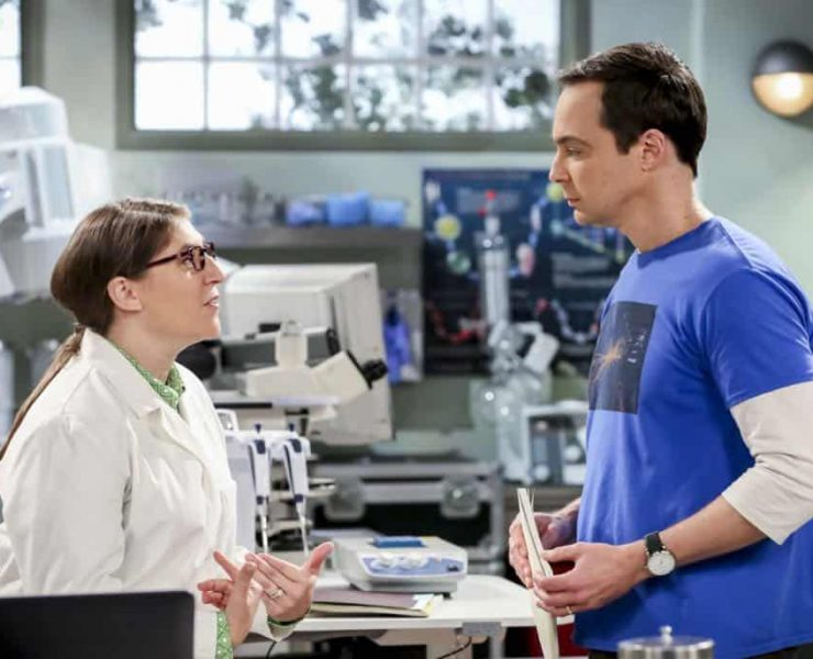 """""""The Planetarium Collision"""" -- Pictured: Amy Farrah Fowler (Mayim Bialik) and Sheldon Cooper (Jim Parsons). When Amy doesn't have time to work on super-asymmetry, Sheldon goes to great lengths to ensure she's available to work with him even it if means accidentally sabotaging her career in the process. Also, Koothrappali doesn't want Wolowitz to join him in hosting a show at the planetarium, on THE BIG BANG THEORY, Thursday, Oct. 18 (8:00-8:31 PM, ET/PT) on the CBS Television Network. Emmy Award winner Bob Newhart returns as Arthur Jeffries. Photo: Michael Yarish/Warner Bros. Entertainment Inc. © 2018 WBEI. All rights reserved."""